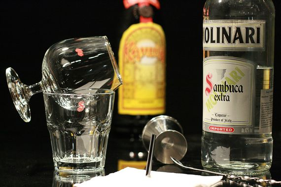 Как правильно пить самбуку 1